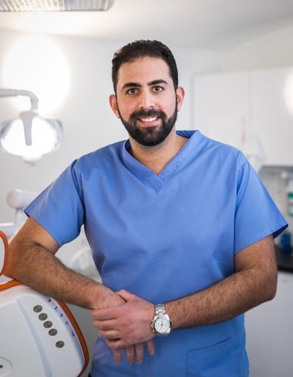 Dr. Darawsheh Ali Farid - Fogorvos