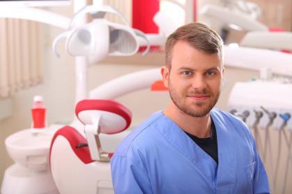 Dr. Tupicza Alexander - Fogszakorvos, Konzerváló és fogpótlástan szakorvos